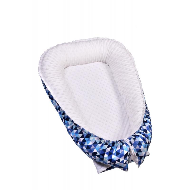 Hniezdočko pre bábätko MINKY, blue triangles